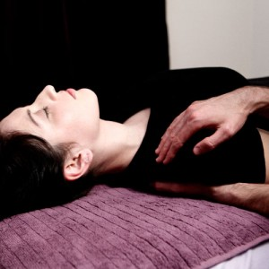 8 benefits of craniosacral therapy massage therapy education massage therapy education craniosacral therapy training dvd video from aesthetic videosource https fandeluxe Images